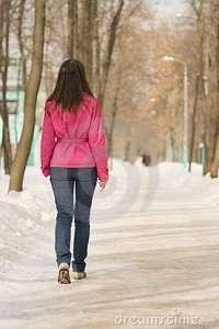 donna neve andare-via